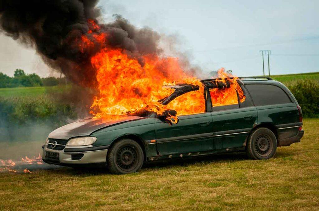 Quando incide a franquia do carro incendio