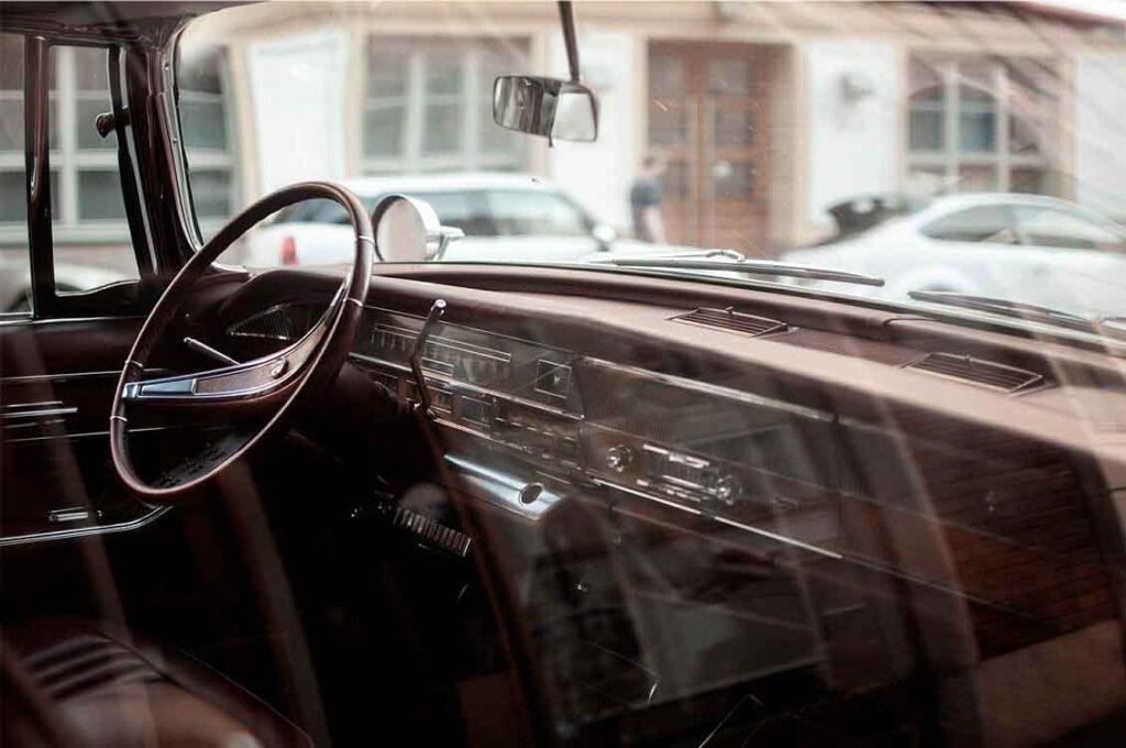 Seguro para carros antigos limitação para contratação