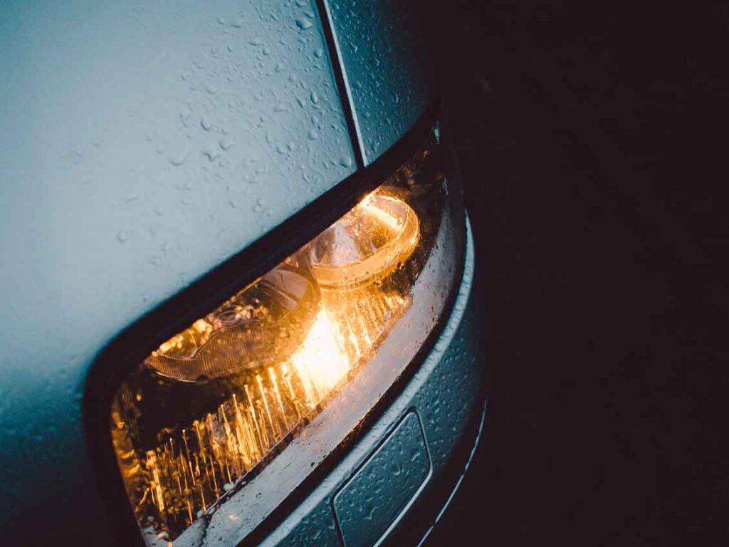 Manutenção de carros lampandas