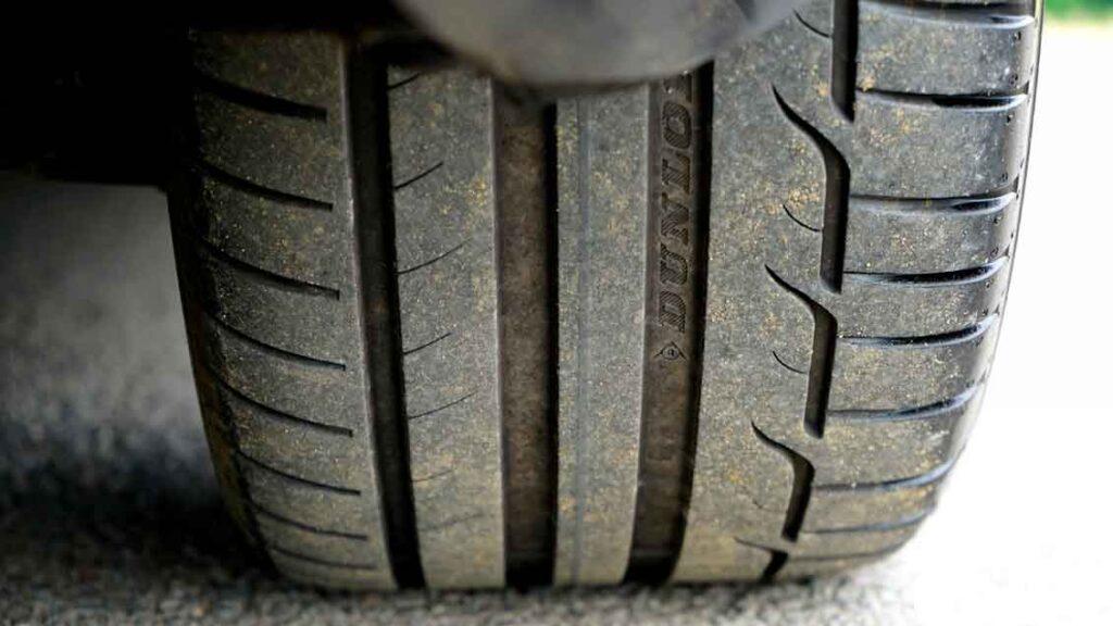 Manutenção de carros pneus