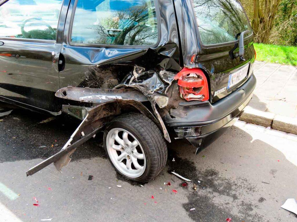 Rodizio de pneus qual o perigo de dirigir com pneus usados